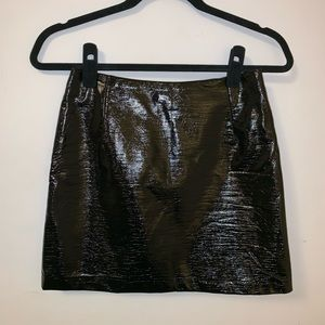 🖤H&M faux patent leather/pleather skirt